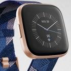 Fitbit: Versa 2 erscheint mit intelligentem Wecker und Alexa