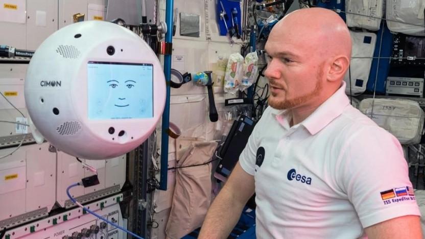 """Cimon mit dem deutschen Astronauten Alexander Gerst auf der ISS: """"Erwartungen voll erfüllt"""""""