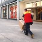 Post: DHL-Pakete bleiben zugunsten von Amazon liegen
