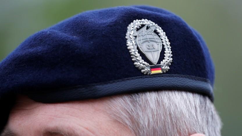 Soll der Cyber- und Informationsraum (CIR) der Bundeswehr aktive Cyberangriffe starten?