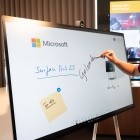 Surface Hub 2S angesehen: Das Surface Hub, das auch in kleine Meeting-Räume passt