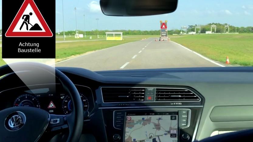 Autofahrer erhalten in Österreich künftig Warnhinweise per Auto-WLAN.