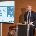Gigabit Symposium: Bundesministerium will Glas über Oberleitungen ermöglichen