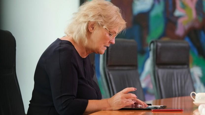 Möchte herausfinden können, wer etwas gepostet hat: Bundesjustizministerin Christine Lambrecht (SPD).