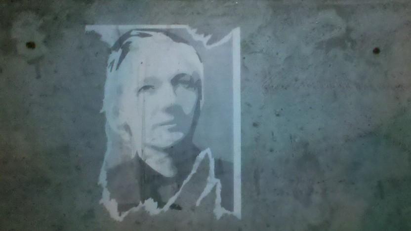 Julian Assange muss im Gefängnis bleiben.