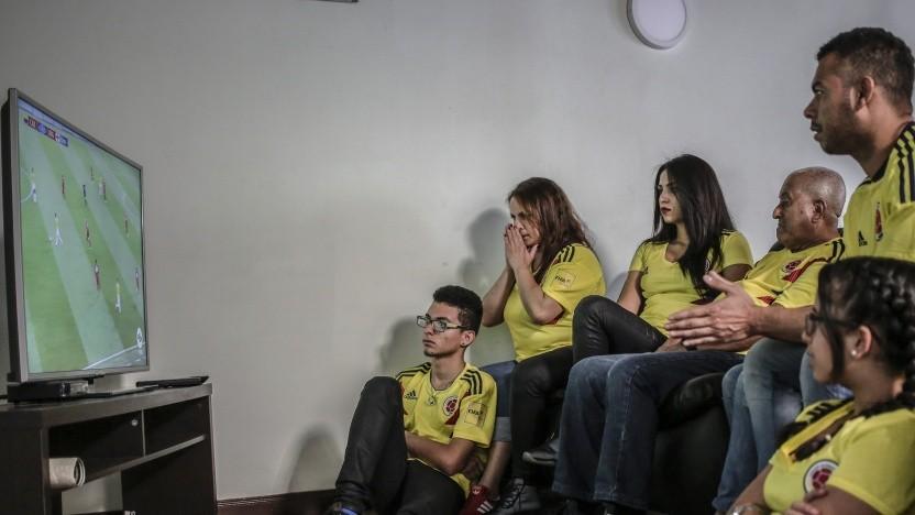 Manche Fußballspiele können nur über Pay-TV angeschaut werden.