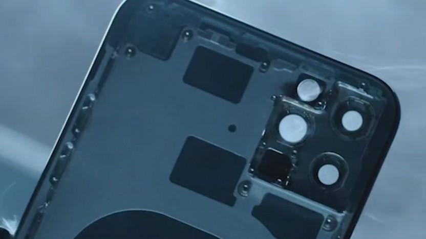 Das iPhone 11 Pro Max hat gleich vier Aussparungen für Kameras.