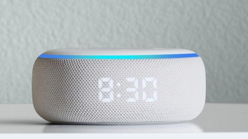 Neuer Echo Dot mit LED-Display.