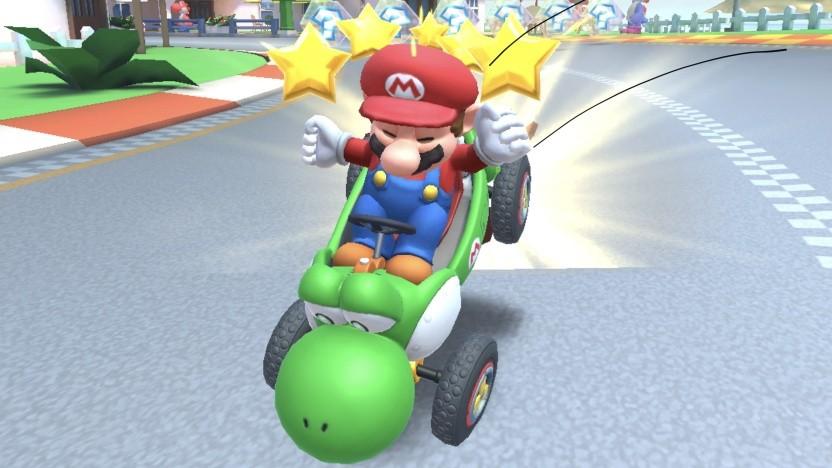 Mario im Yoshi-Kart wird nach der Zieleinfahrt von einer Rakete erwischt.