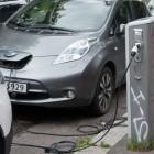Elektromobilität: Erste Tankstelle schafft Zapfsäulen ab