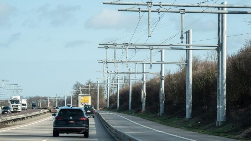 E-Highway in Schleswig-Holstein (Symbolbild): Die fehlenden Lkw kommen 2022.