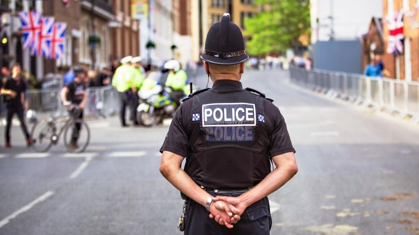 Soll bald auf Facebook- und Whatsappnachrichten zugreifen können: die britische Polizei.
