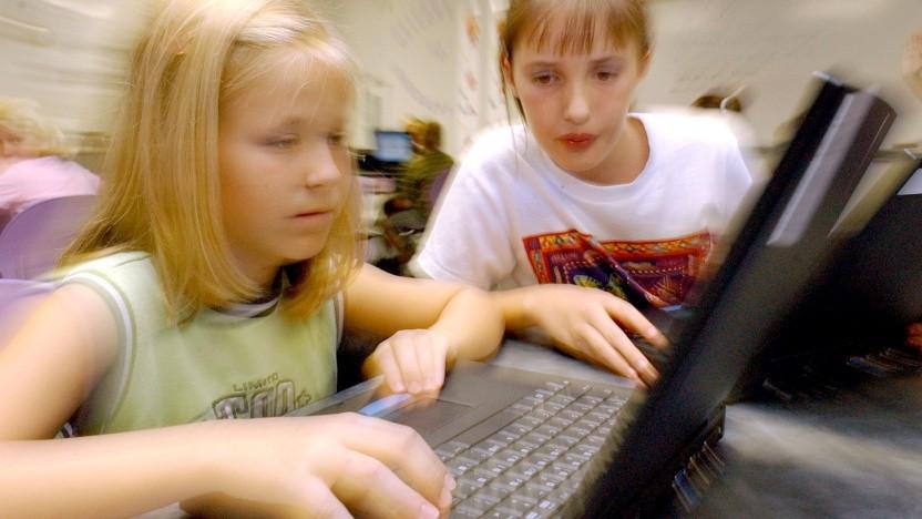 Mädchen trauen sich am Computer oft weniger zu als Jungen.