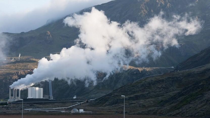 Geothermie-Kraftwerk in Island (Symbolbild): Eine Lithium-Gewinnungsanlage kann an ein Geothermie-Kraftwerk angebaut werden.