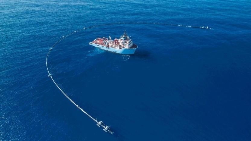 Schwimmende Müllsammelanlage von The Ocean Cleanup: tonnenschwere Geisternetze und Mikroplastik