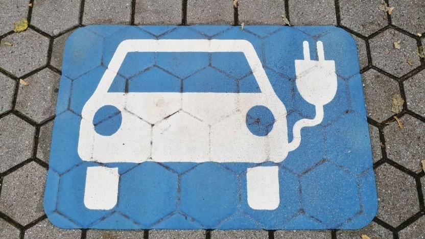 Parkplatz für Elektroautos (Symbolbild): Plan A ist ein EU-weites Verbot.