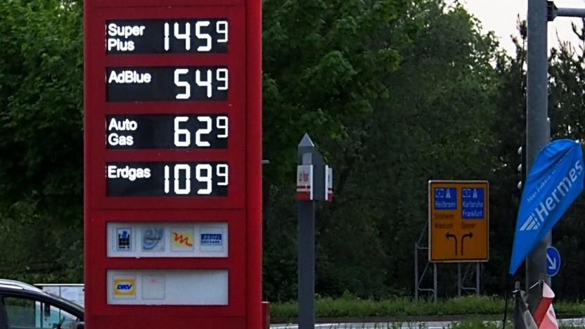 Klimaschutzprogramm: Alle Tankstellen sollen Ladesäulen bekommen - Golem.de