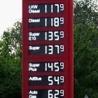 Klimaschutzprogramm: Alle Tankstellen sollen Ladesäulen bekommen