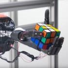 OpenAI: Roboterarm löst Zauberwürfel einhändig