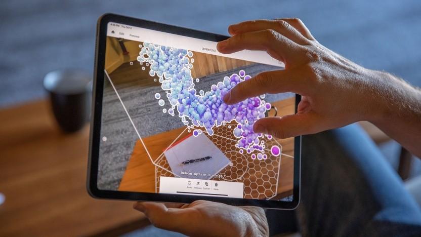 Mit Adobe Aero können AR-Welten auf dem iPad erstellt werden.