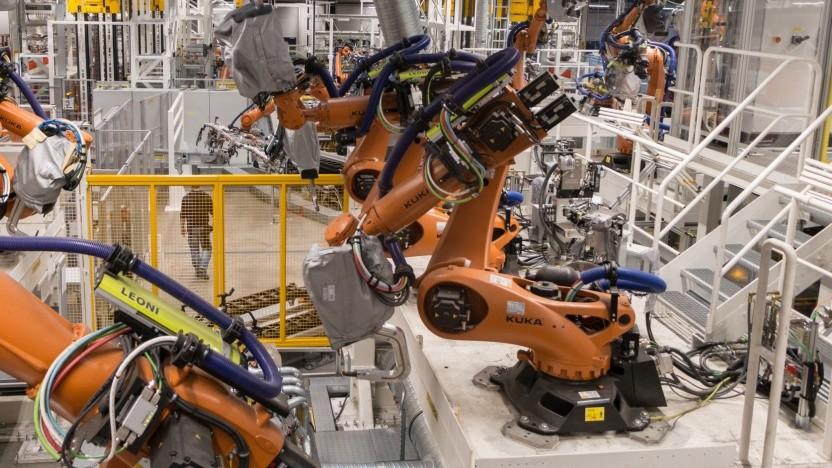 Produktionsstraße bei VW (Symbolbild): Chancen und Risiken der KI bewerten