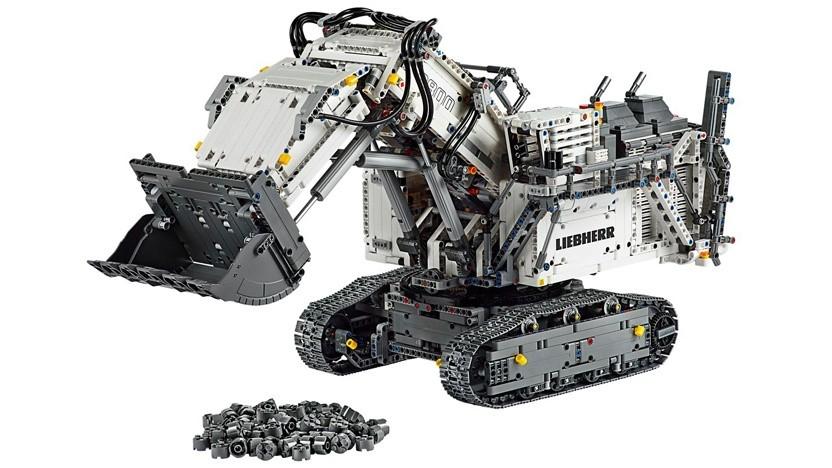 Der LEGO Technic Liebherr Bagger R 9800 ist eine originalgetreue, appgesteuerte Nachbildung des gr��ten Minenschaufelbaggers der Welt.