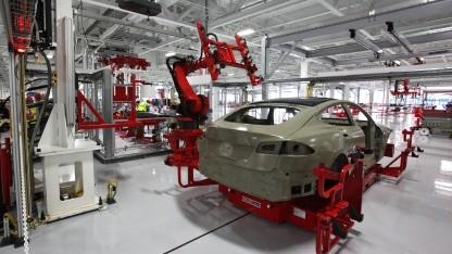 Künftig sollen auch in Brandenburg Tesla-Modelle vom Band laufen.