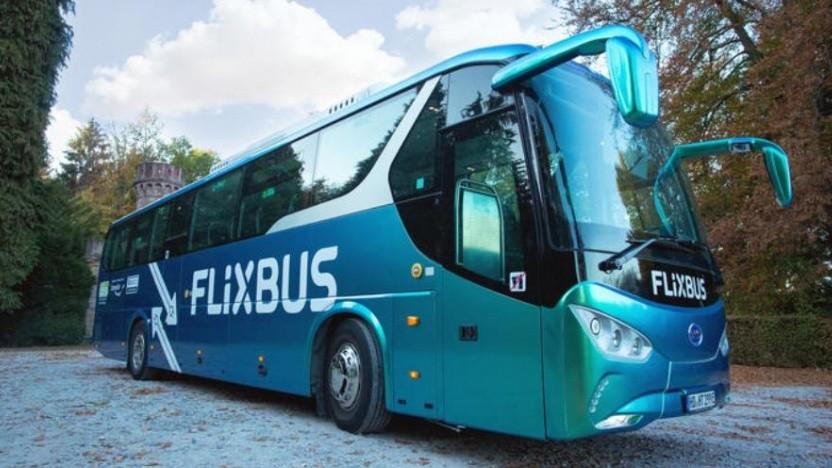 Der elektrische Fernbus von BYD war nicht grün, sondern blau lackiert.