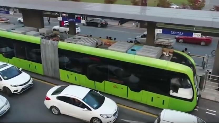 Die neue Bahn in Yibin, China