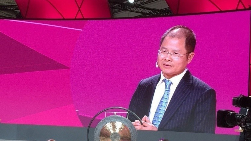 Rotating Huawei Chef Eric Xu spricht 2016 bei der Telekom