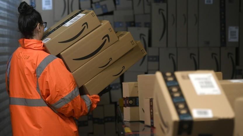 Nicht nur bei Amazon landen Rücksendungen mitunter auf dem Müll.
