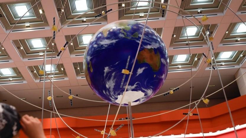 Modell des chinesischen Satellitennavigationssystems Beidou (im Nationalmuseum in Peking): Über 70 Prozent der Smartphones in China sind Beidou-fähig.