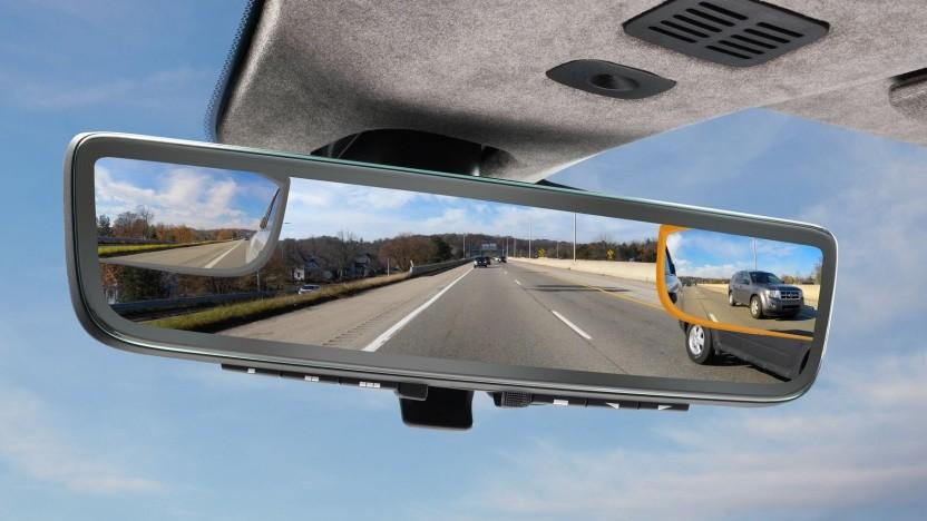 Drei in eins: Der Rückspiegel wird zum Multi-Display