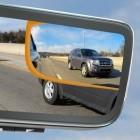Aston Martin: Der Rückspiegel wird zum Display für drei Kameras