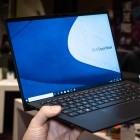 Expertbook B9 im Hands on: Asus' neues Business-Notebook ist federleicht