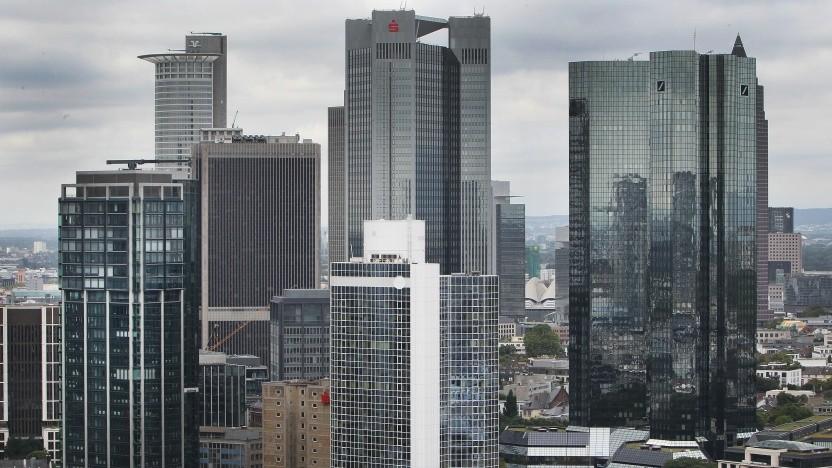 Einer Studie zufolge zahlen Banken ihren IT-Fachkräften am meisten.