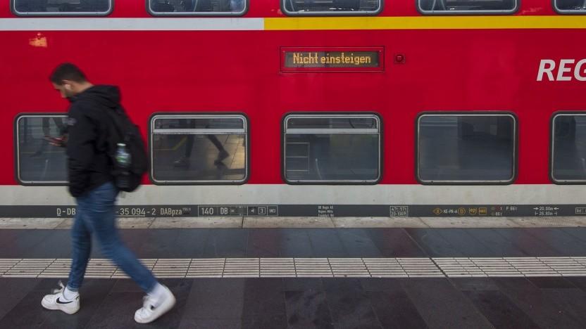 Regionalzug am Hauptbahnhof Frankfurt/Main