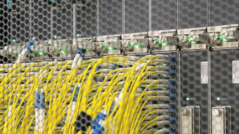 Darf der BND an Internetknoten wie dem De-Cix beliebig Daten abgreifen?