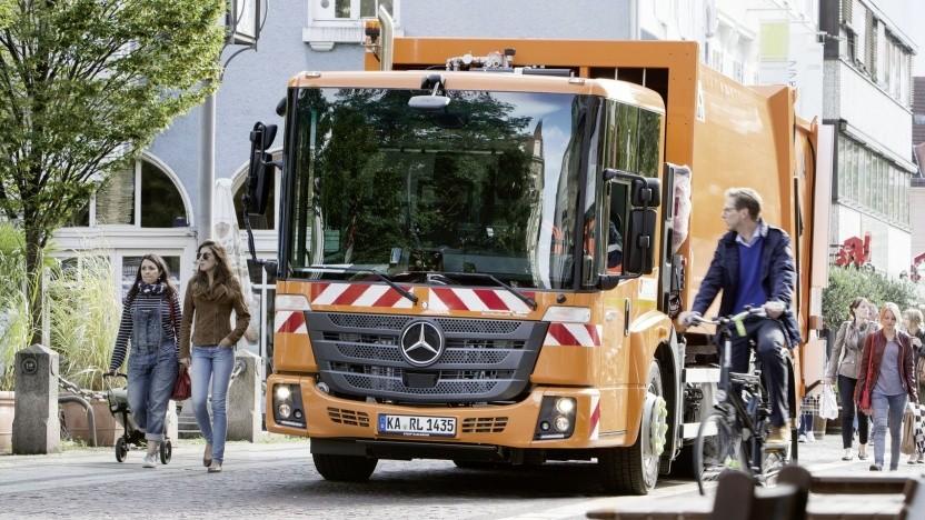 Konventioneller Mercedes Econic als Müllwagen