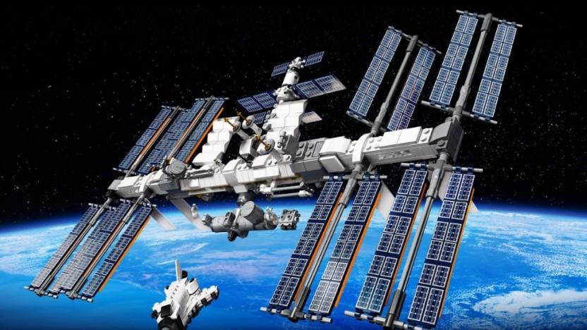Die Lego-ISS sieht fast aus wie die echte Raumstation.