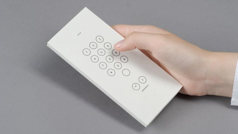 Statt eines alten Telefons tut es auch die Papierschachtel.