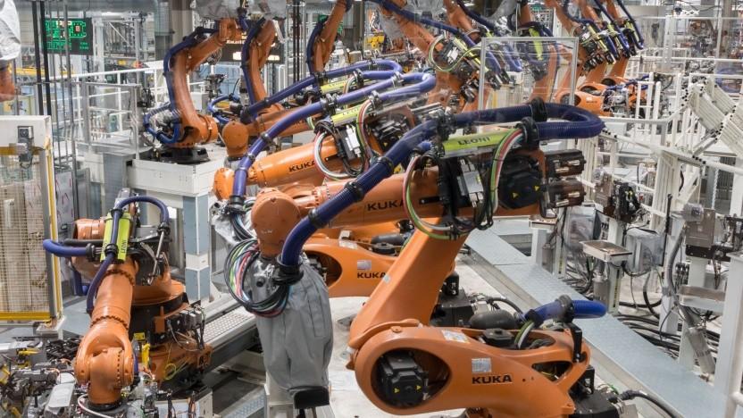Roboter in der Autoproduktion: industrienahe Demontagefabrik (Symbolbild)