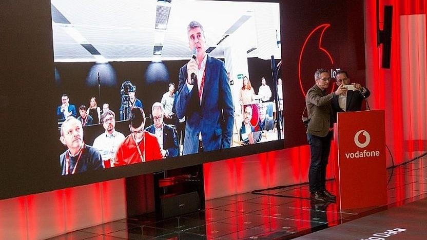 Vodafone und Huawei bei einem gemeinsamen Auftritt auf dem Mobile World Congress im Februar 2018