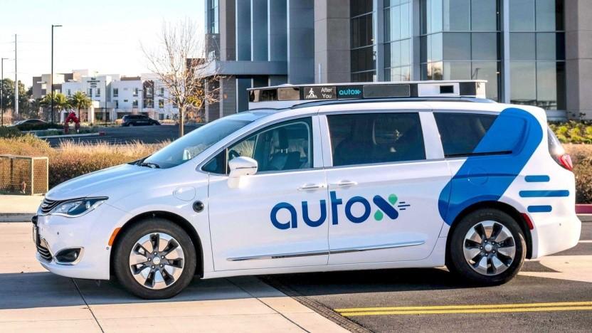 Hochautomatisiert fahrendes Auto von AutoX: lokale chinesische Fahrstile übernommen