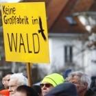Grünheide: Gericht stoppt Rodungsarbeiten für Tesla-Werk