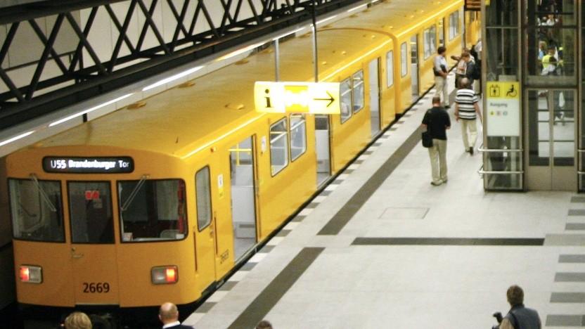 In der U-Bahn sollen nachts Pakete statt Menschen transportiert werden.