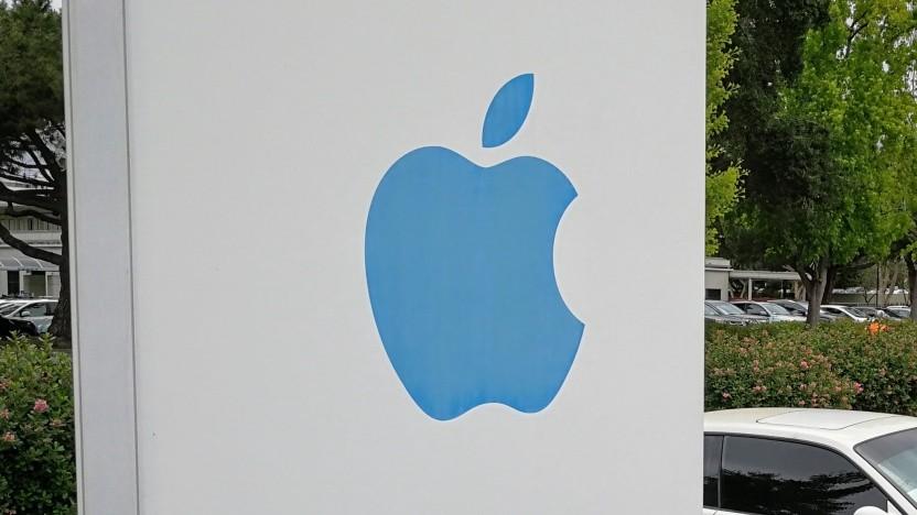 Apple will gegen den Autoren und den Verlag vorgehen.