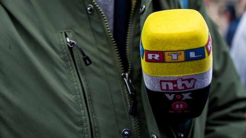 Fernsehjournalist bei der Arbeit