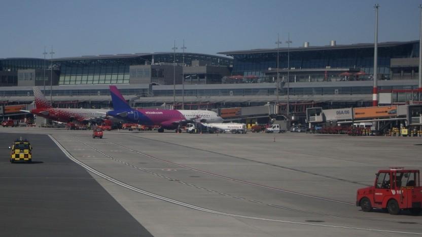Flughafen Hamburg-Fuhlsbüttel: besondere Herausforderung durch kreuzende Bahnsysteme