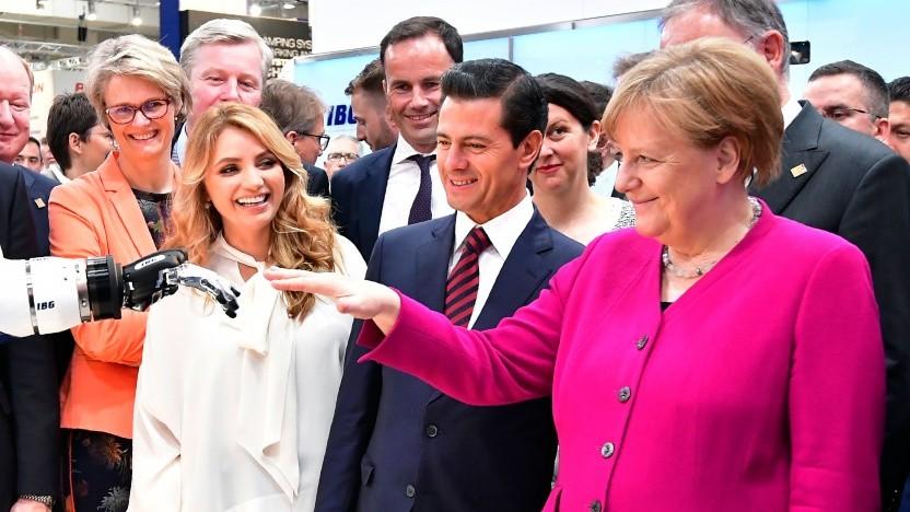 Angela Merkel mit dem damaligen mexikanischen Präsidenten Pena Nieto und dessen Gattin auf der Hannover Messe 2018